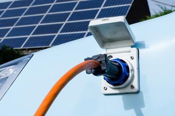 elektrofahrzeug und solarzellen