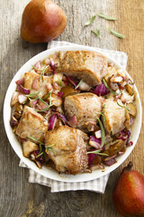 Pork with red onion and pears