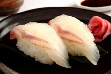寿司 鯛 回転寿司