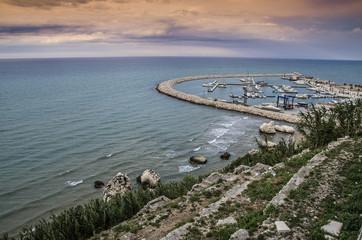 Rodi Garganico - Scogliera e porto - Vista panoramica