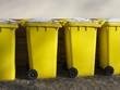 Gelb Mülltonnen für das Recycling in Großauheim bei Hanau - 75353490
