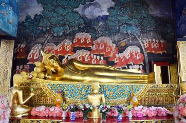 Reclining Buddha at Wat Bowonniwet Vihara, or Wat Bowon