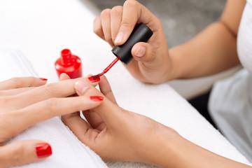 Red varnish
