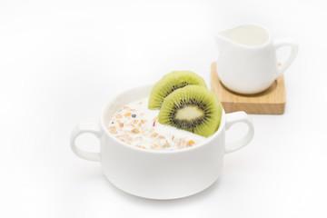 Cornflakes with kiwi and yogurt