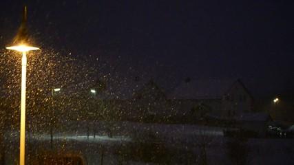 Schneefall am Abend