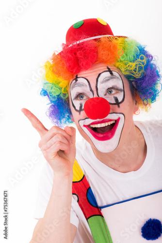 Fotobehang Carnaval lachender clown zeigt mit dem finger hoch