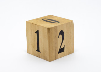 Cubic Wood Style Date Calendar