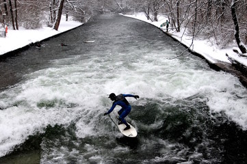 Winter surfing in Munich