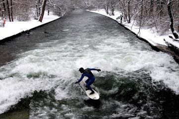 Winter surfing in Munich