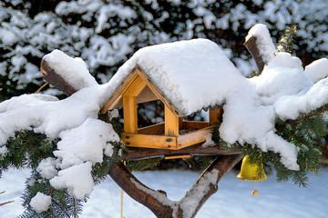 Vogelhaus mit Glöckchen