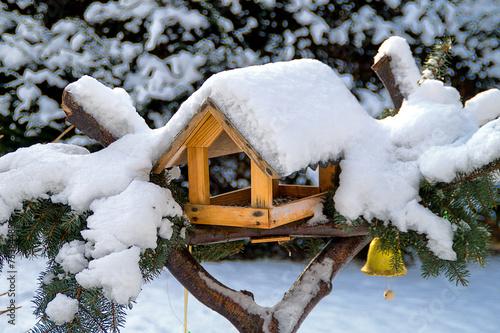 Vogelhaus mit Glöckchen - 75384485