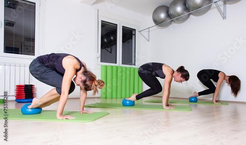 pilates group training - 75386248