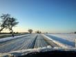 canvas print picture - Landstaße im Winter (Blick aus dem Auto)