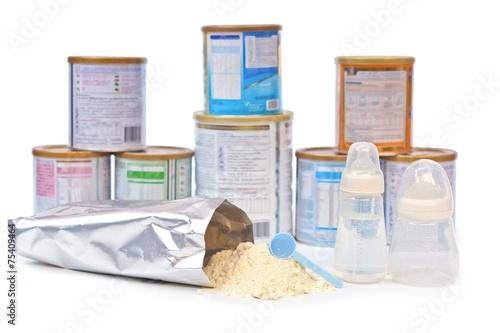 Staande foto Zuivelproducten preparing powder milk for baby
