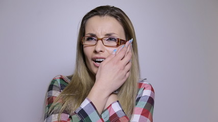 Woman with tooth problem