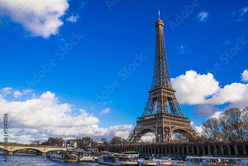 パリ エッフェル塔 Photo by oben901