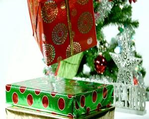 подарки летят
