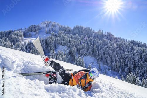 Foto op Plexiglas Wintersporten weiches Bett im kalten Schnee
