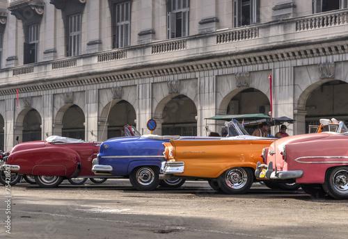 Poster Classic american cars in Havana, Cuba