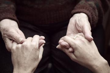 Aiuto a persone anziane