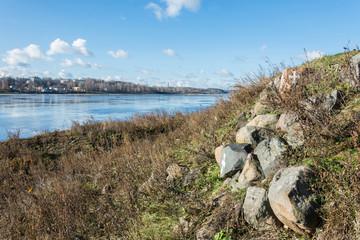 . .Берег реки Волга. .