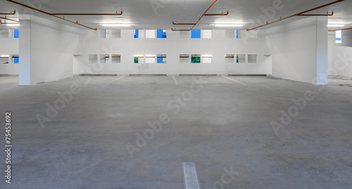 Indoor empty parking lot - 75453692