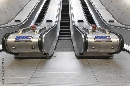 Escalators - 75471863