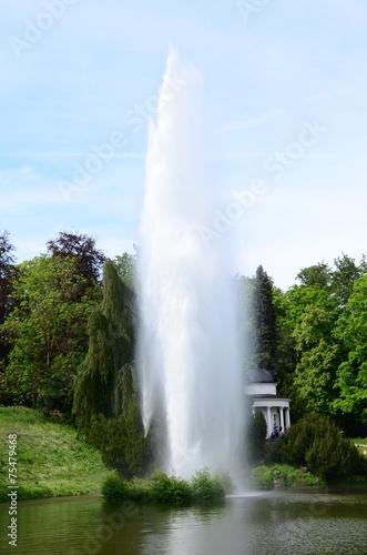 Leinwandbild Motiv Fontäne im Bergpark Kassel