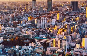 東京の目黒区の住宅街の夕方