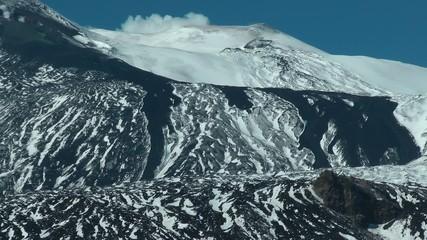 Colata lavica recente sulla neve (lava del 28/12/2014)