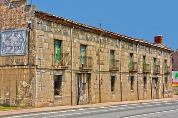 Monasterio de Rodilla, Burgos, caserón al borde la Nacional I