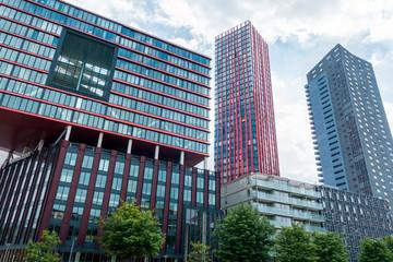 Rotterdams Wijnhaven mit Red Apple