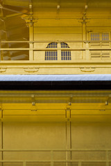 金閣寺の三層の桟唐戸