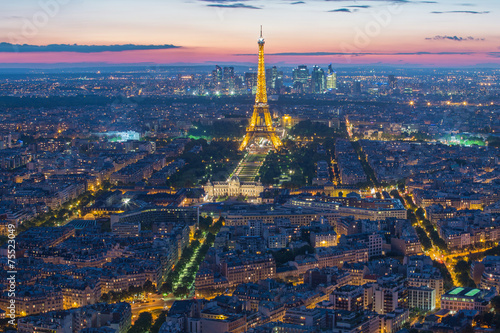 Leinwanddruck Bild Eiffel Tower in Paris , France
