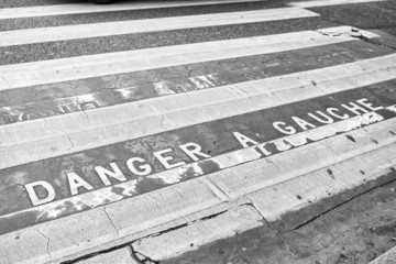Danger a Gauche
