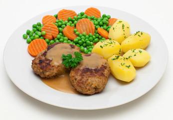 Buletten mit Mischgemüse und Kartoffeln