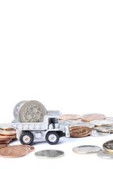 お金を運ぶトラック