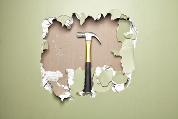 Break green wall  hammer