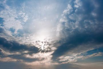 Утреннее небо с облаками
