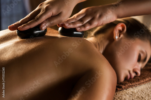 Hot stone therapy - 75552265