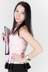 Девушка с папкой для бумаг