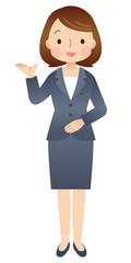 紹介する女性 スーツ