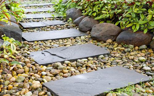 Fotobehang Tuin Stone walkway
