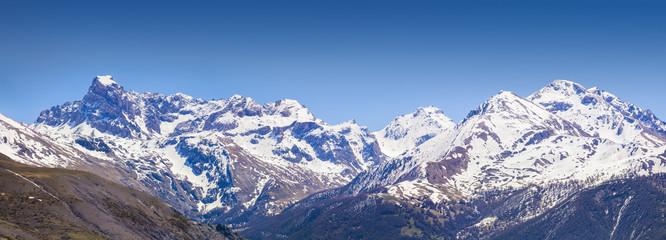 Panorama of the Coluoir Bujon mountain range