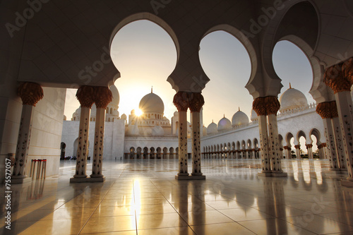 Foto op Canvas Temple Sheikh Zayed mosque in Abu Dhabi,UAE, Middle East