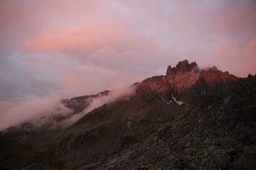 Berganorama mit Wolkenhimmel