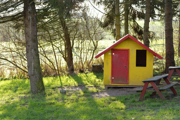 Kleines  Haus aus Holz