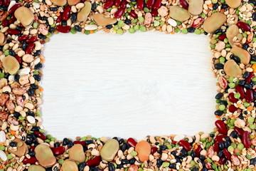 Cornice di legumi e cereali
