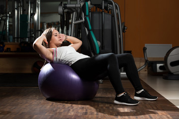 Sit Ups On Exercise Ball
