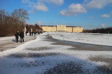 Schlosspark Schönbrunn im Winter